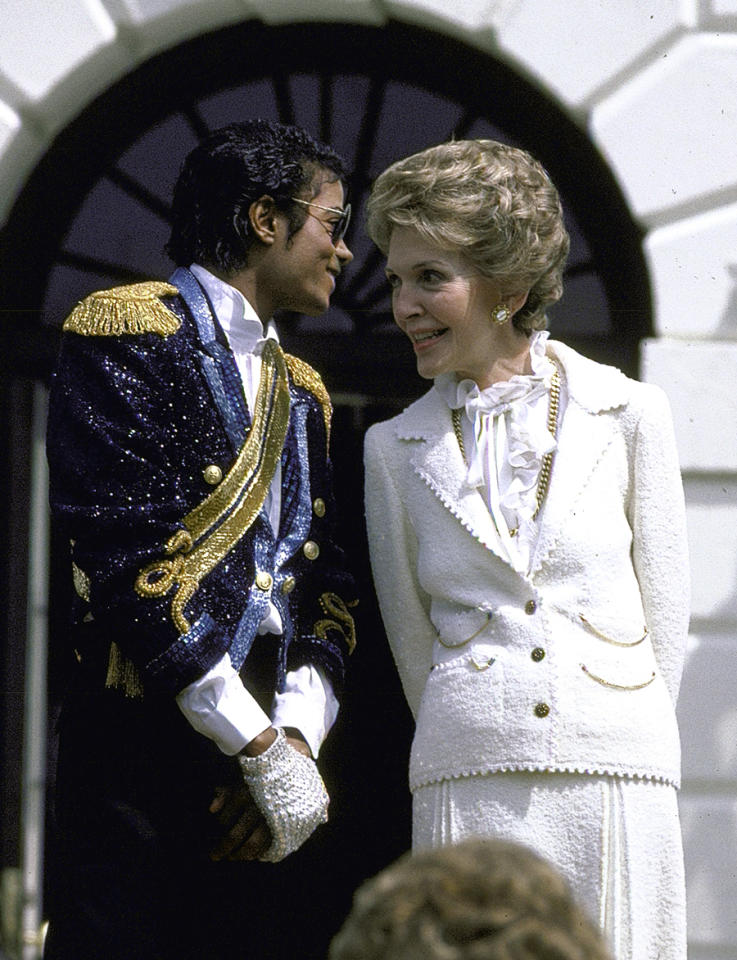 <p>First Lady Nancy Reagan looked just as fly as Michael Jackson un her all white ensemble, which she, fittingly enough, was wearing at the White House in 1984. (Photo: Diana Walker/Time & Life Pictures/Getty Images) </p>