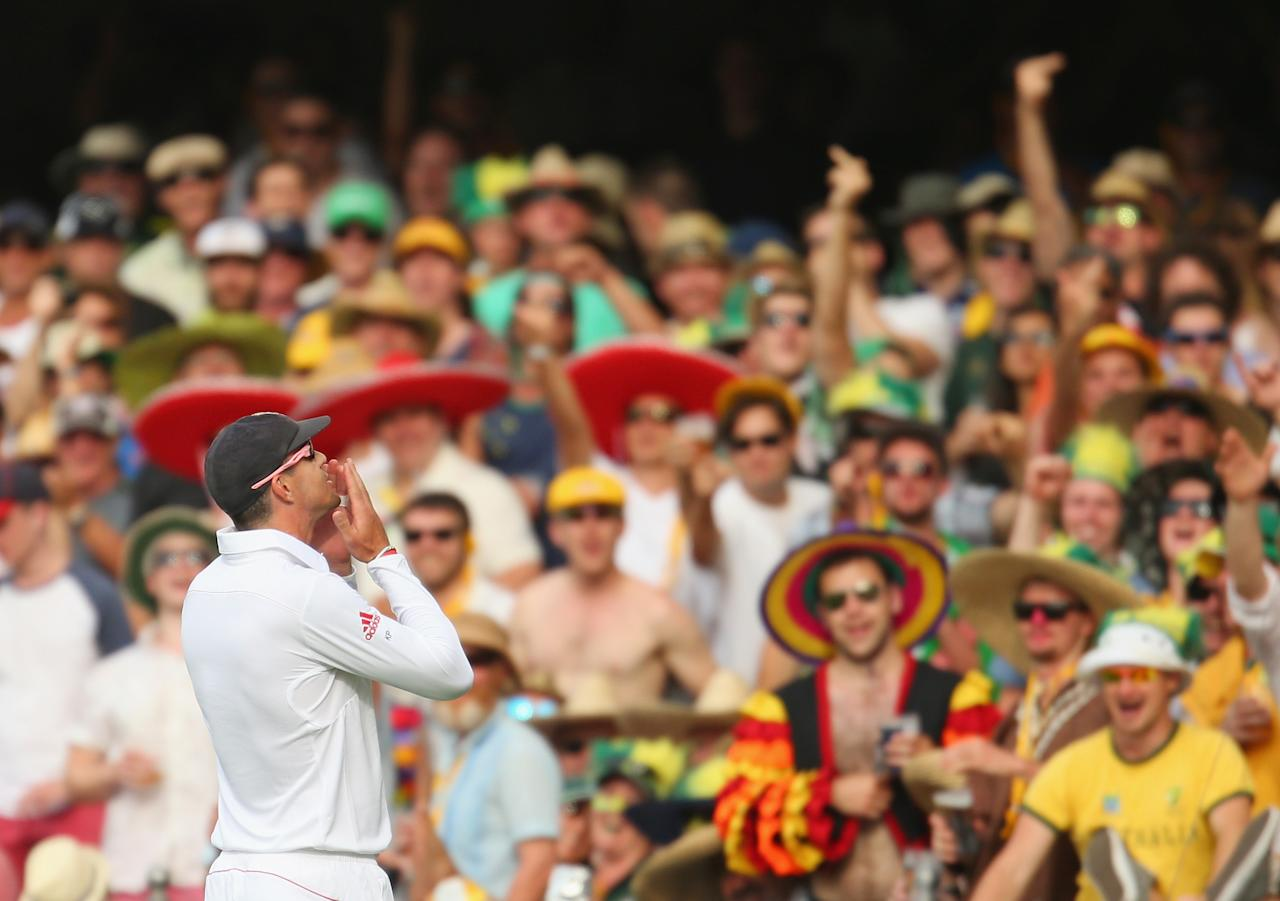 BRISBANE, AUSTRALIA - NOVEMBER 22:  Kevin Pietersen of England gestures towards the crowd during day two of the First Ashes Test match between Australia and England at The Gabba on November 22, 2013 in Brisbane, Australia.  (Photo by Scott Barbour/Getty Images)