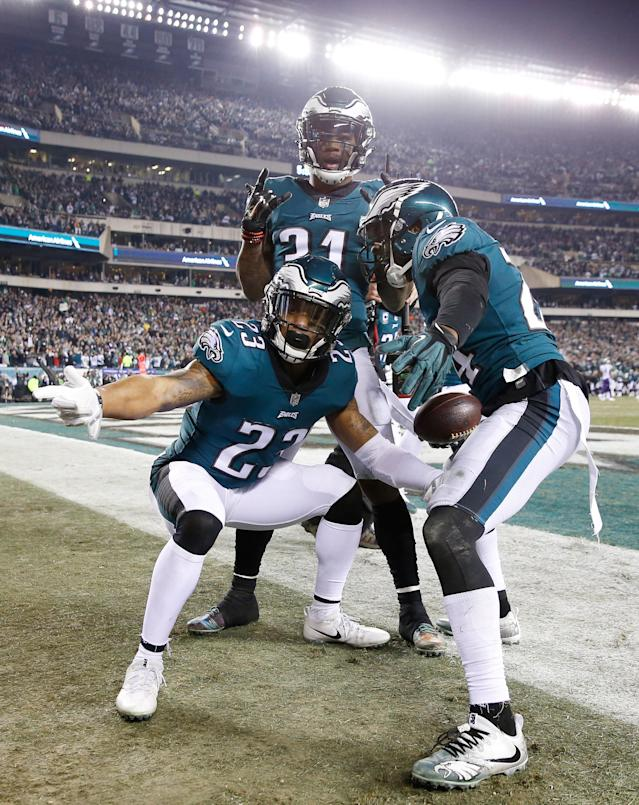 <p>Corey Graham #24 of the Philadelphia Eagles is congratulated by his teammates after getting an interception during the fourth quarter against the Minnesota Vikings in the NFC Championship game at Lincoln Financial Field on January 21, 2018 in Philadelphia, Pennsylvania. (Photo by Rob Carr/Getty Images) </p>