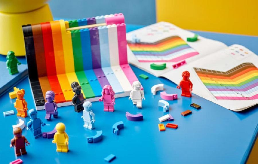 The LEGO Pride set's Minifigures and instructions.