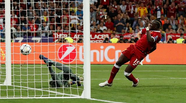 Soccer Football - Champions League Final - Real Madrid v Liverpool - NSC Olympic Stadium, Kiev, Ukraine - May 26, 2018 Liverpool's Sadio Mane scores their first goal REUTERS/Andrew Boyers