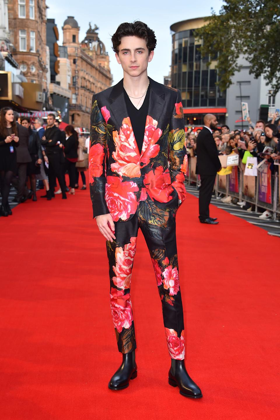 Wearing a floral Alexander McQueen suit. <em>[Photo: Getty]</em>