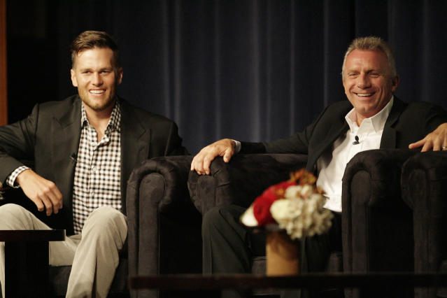 "Idol offers advice: Joe Montana, right, said Tom Brady shouldn't leave the <a class=""link rapid-noclick-resp"" href=""/nfl/teams/new-england/"" data-ylk=""slk:New England Patriots"">New England Patriots</a> if he doesn't have to. (Gary Reyes/Bay Area News Group/Getty Images)"
