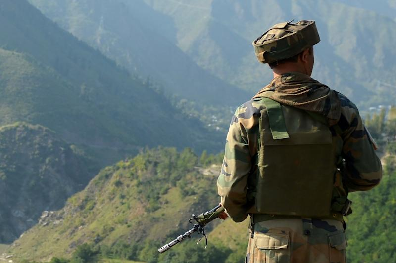 Indian Army carries out fire assaults on Pak posts across LoC