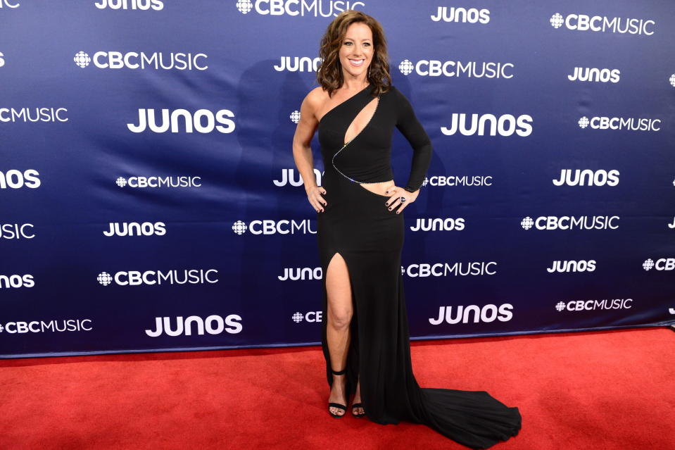 <p>The 51-year-old singer wowed photographers with a one-shoulder gown by Toronto-based designer Stephen Caras. </p>