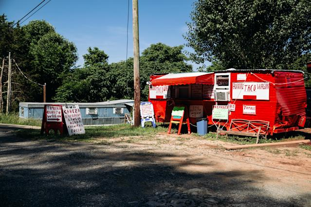 A taco stand in Bean Station, Tenn. (Photo: Bryan Tarnowski for Yahoo News)