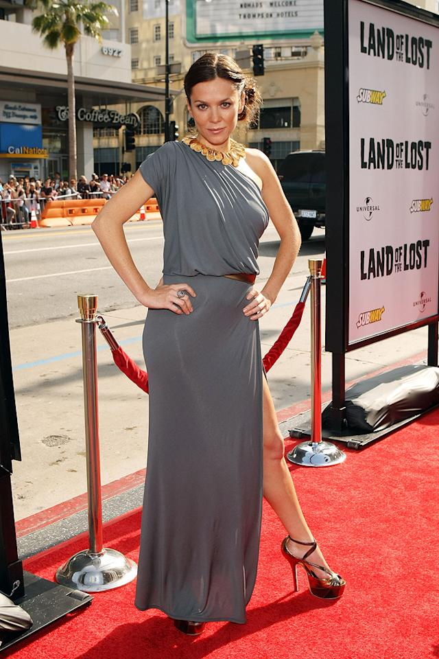 "<a href=""http://movies.yahoo.com/movie/contributor/1800018592"">Anna Friel</a> at the Los Angeles premiere of <a href=""http://movies.yahoo.com/movie/1809953162/info"">Land of the Lost</a> - 05/30/2009"