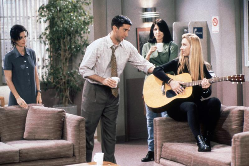 Cox, Schwimmer and Lisa Kudrow in 'Friends' (Photo: Warner Bros. / Courtesy: Everett Collection)