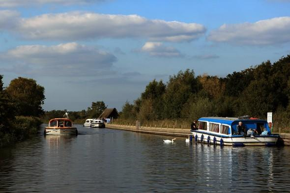 Police search Norfolk Broads for couple missing from hired boat