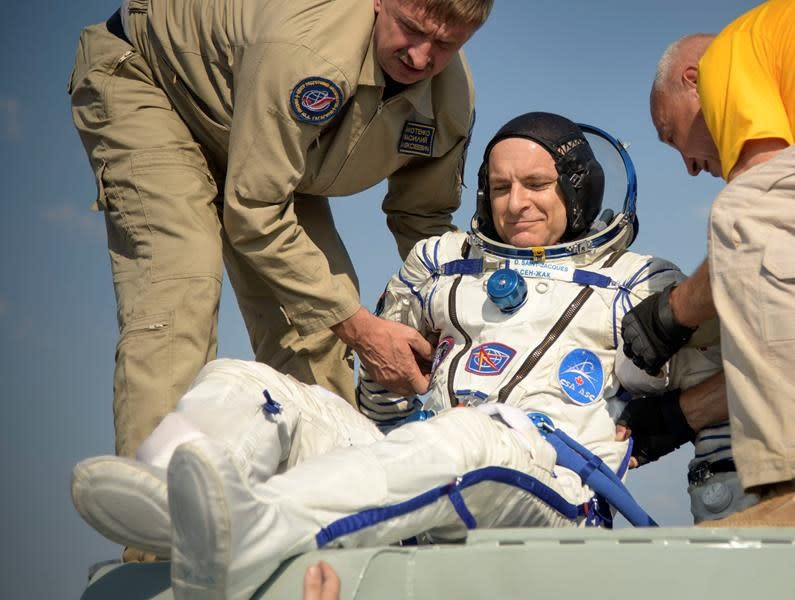 Astronaut David Saint-Jacques returns to Earth, sets Canadian space record