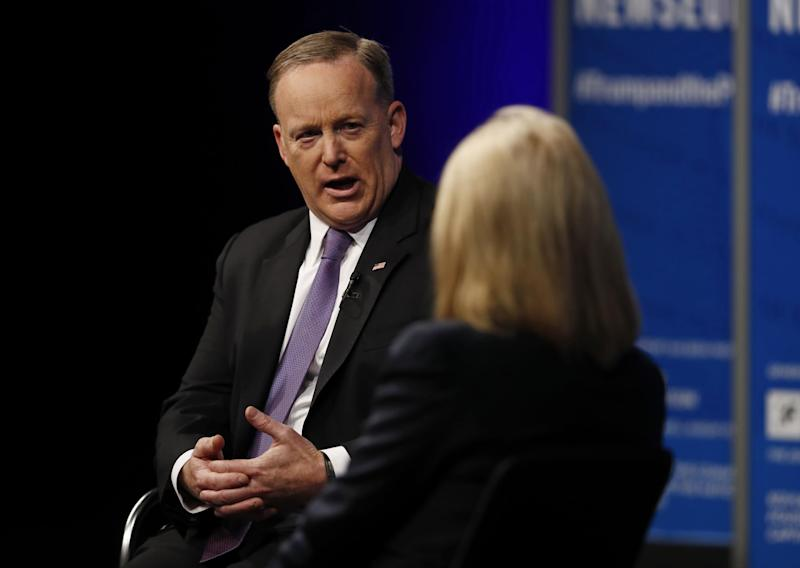 White House press secretary Sean Spicer speaks to moderator Greta Van Susteren at the Newseum: AP Photo/Carolyn Kaster