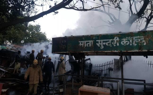 Delhi: Massive fire in furniture godown near DU's Mata Sundari College