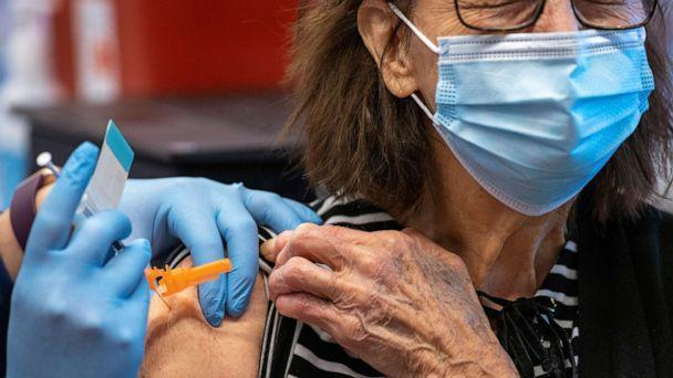 PHOTO: Barbara Schmalenberger, 86, of Hilliard, Ohio, receives the Johnson & Johnson coronavirus vaccine at the OSU Wexner Medical Center in Columbus, Ohio, March 2, 2021. (Gaelen Morse/Reuters)