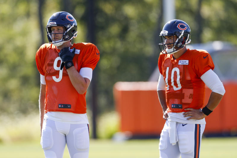 Chicago Bears quarterbacks Nick Foles (9) and Mitch Trubisky (10) are still battling for the starting spot. (Jose M. Osorio/ Chicago Tribune via AP, Pool)