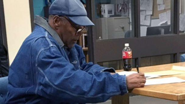 PHOTO: O.J. Simpson signs paperwork before his release from Lovelock Correctional Center Sept. 30, 2017 in Lovelock, Nev. (Brooke Keast/Nevada Department of Corrections via Getty Images)
