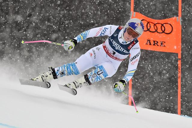 Lindsey Vonn competes during the FIS World Ski Championships Women's Alpine Combined. (Photo by Alain Grosclaude/Agence Zoom/Getty Images)