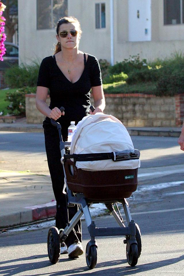 """Bridget Moynahan takes her son John out for a stroll in Santa Monica, CA. The newborn has his mother's last name, not father Tom Brady's. <a href=""""http://www.x17online.com"""" target=""""new"""">X17 Online</a> - September 4, 2007"""