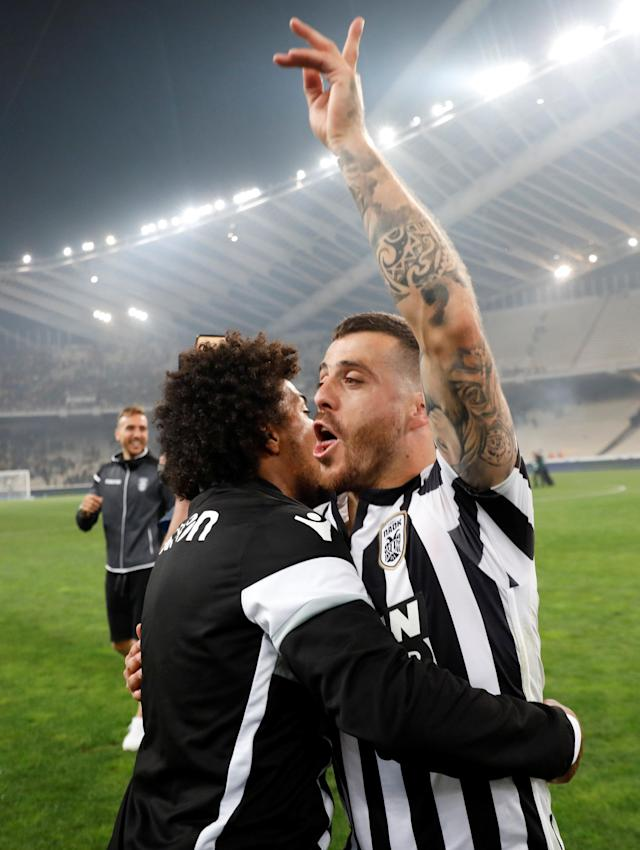 Soccer Football - Greek Cup Final - AEK Athens vs PAOK Salonika - Athens Olympic Stadium, Athens, Greece - May 12, 2018 PAOK Salonika's Vieirinha celebrates winning the Greek Cup after the match REUTERS/Alkis Konstantinidis