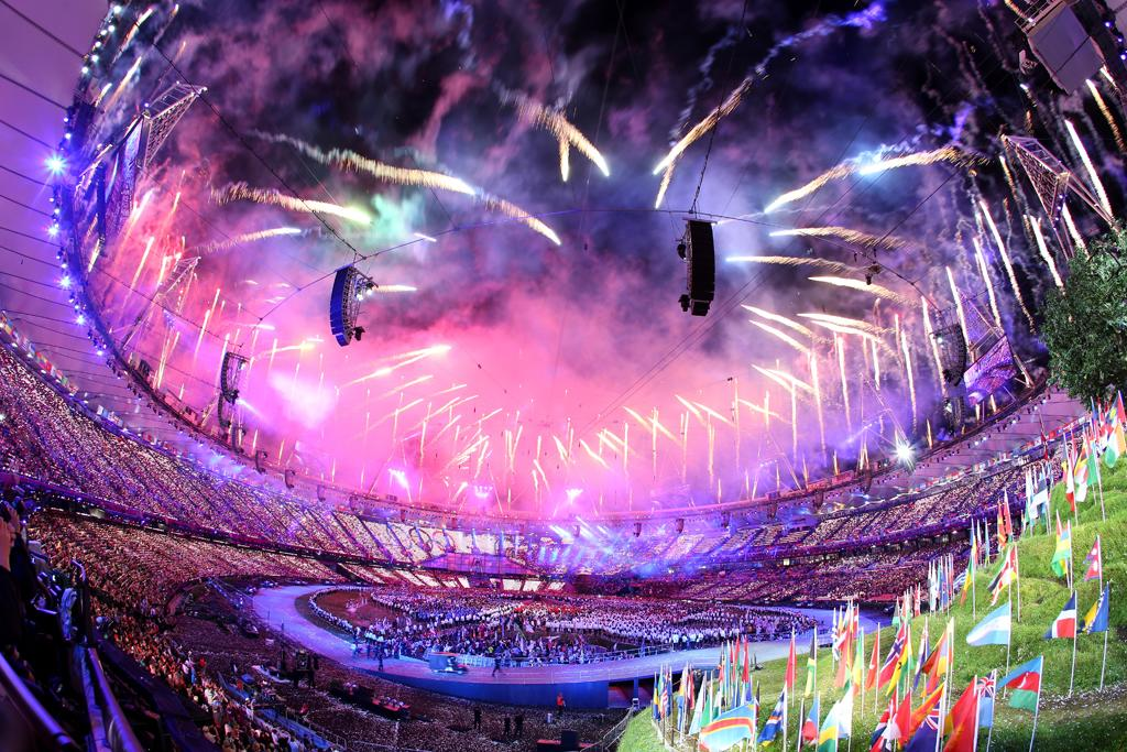 LONDON, ENGLAND - JULY 27:  General View as fireworks illuminate the sky during the Opening Ceremony of the London 2012 Olympic Games at the Olympic Stadium on July 27, 2012 in London, England.  (Photo by Ryan Pierse/Getty Images)