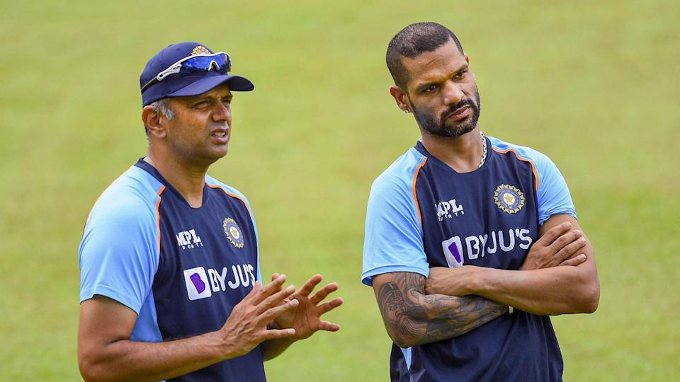"""<div class=""""paragraphs""""><p>Rahul Dravid and Shikhar Dhawan in discussion in Colombo.</p></div>"""