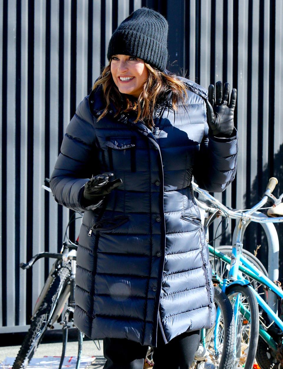 <p>Mariska Hargitay bundles up while on the set of <em>Law and Order: Special Victims Unit</em> on Wednesday in N.Y.C. </p>