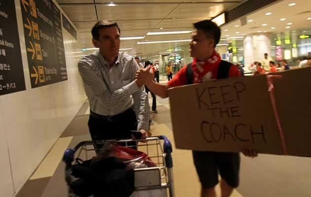 Coach Radojko Avramovic being greeted by a fan after the Iraq thrashing (Photo courtesy of FAS)
