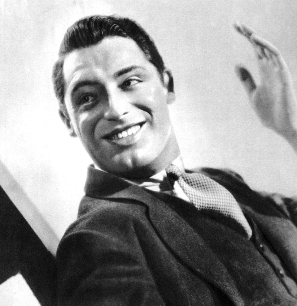 <p>In 1931, Grant landed a starring role in the Broadway play <em>Nikki</em>, alongside screen star Fay Wray. It was this musical that caught the attention of Hollywood and after it wrapped, Grant moved to Los Angeles.</p>