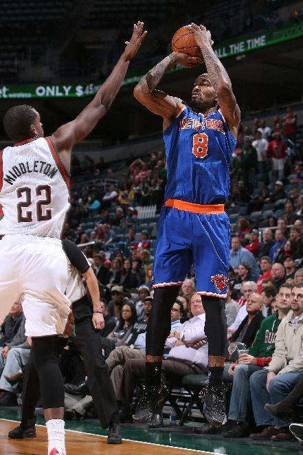 Knicks outlast Bucks 107-101 in double OT