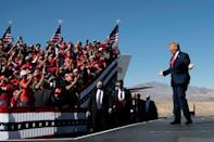 US President Donald Trump campaigns in Arizona, hoping for a Republican victory in the state