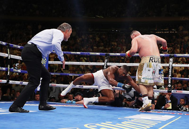 NEW YORK, NEW YORK - JUNE 01: Andy Ruiz Jr knocks down Anthony Joshua in the seventh round during their IBF/WBA/WBO heavyweight title fight at Madison Square Garden on June 01, 2019 in New York City. (Photo by Al Bello/Getty Images)