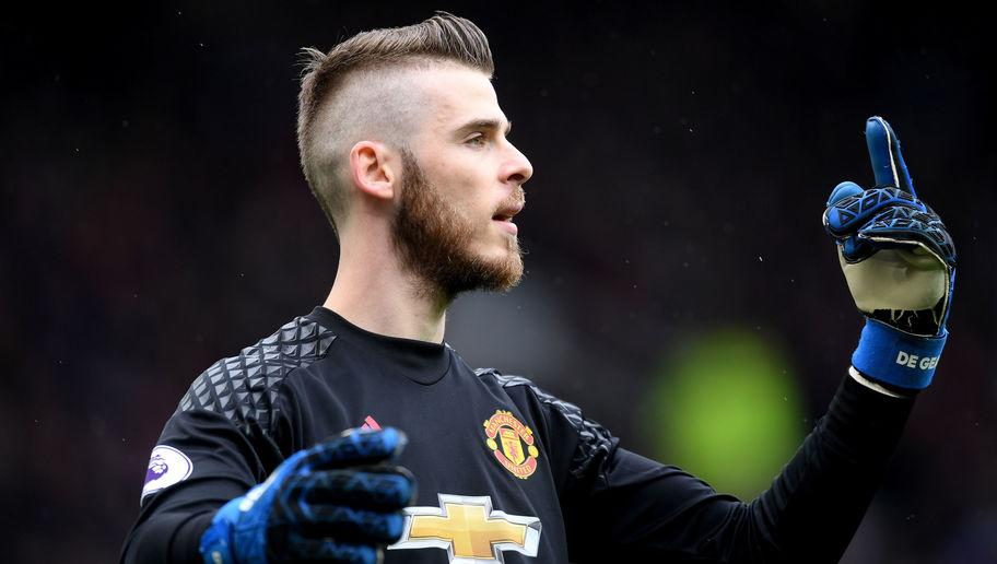 <p>Well, was there really a choice to be made here?</p> <br /><p>Manchester City's goalkeepers are a mess this year. Kicking Joe Hart out was probably not the best decision Pep Guardiola ever made in his career, especially given how Claudio Bravo turned out to be a huge disappointment.</p> <br /><p>On the other side of the pitch, David de Gea has just recently been featured in the PFA Team of the Season for the third consecutive season. No contest.</p>