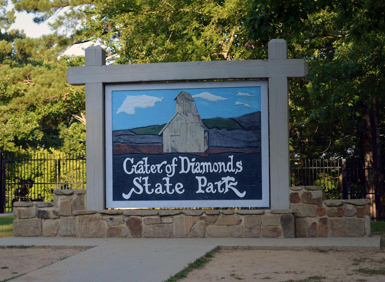 Crater of Diamonds State Park enterance signage.