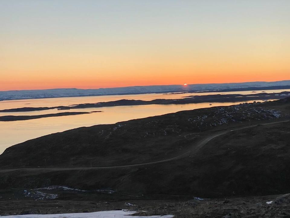 October is off to a warm start for parts of Nunavut thanks to an upper ridge of high pressure that is drawing up warmer than normal air into the territory. (Meagan Deuling/CBC - image credit)