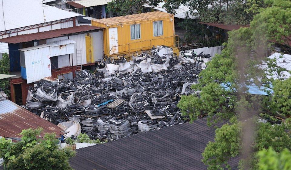 Workshops in Hung Lung Hang West have recently begun disassembling electric scooters. Photo: Greenpeace East Asia