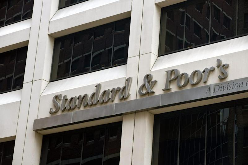 S&P conferma rating Italia a 'BBB', outlook negativo