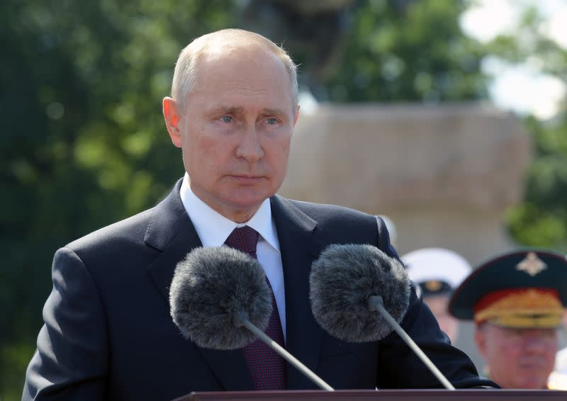 Putin pushes for more integration with Belarus after election unrest