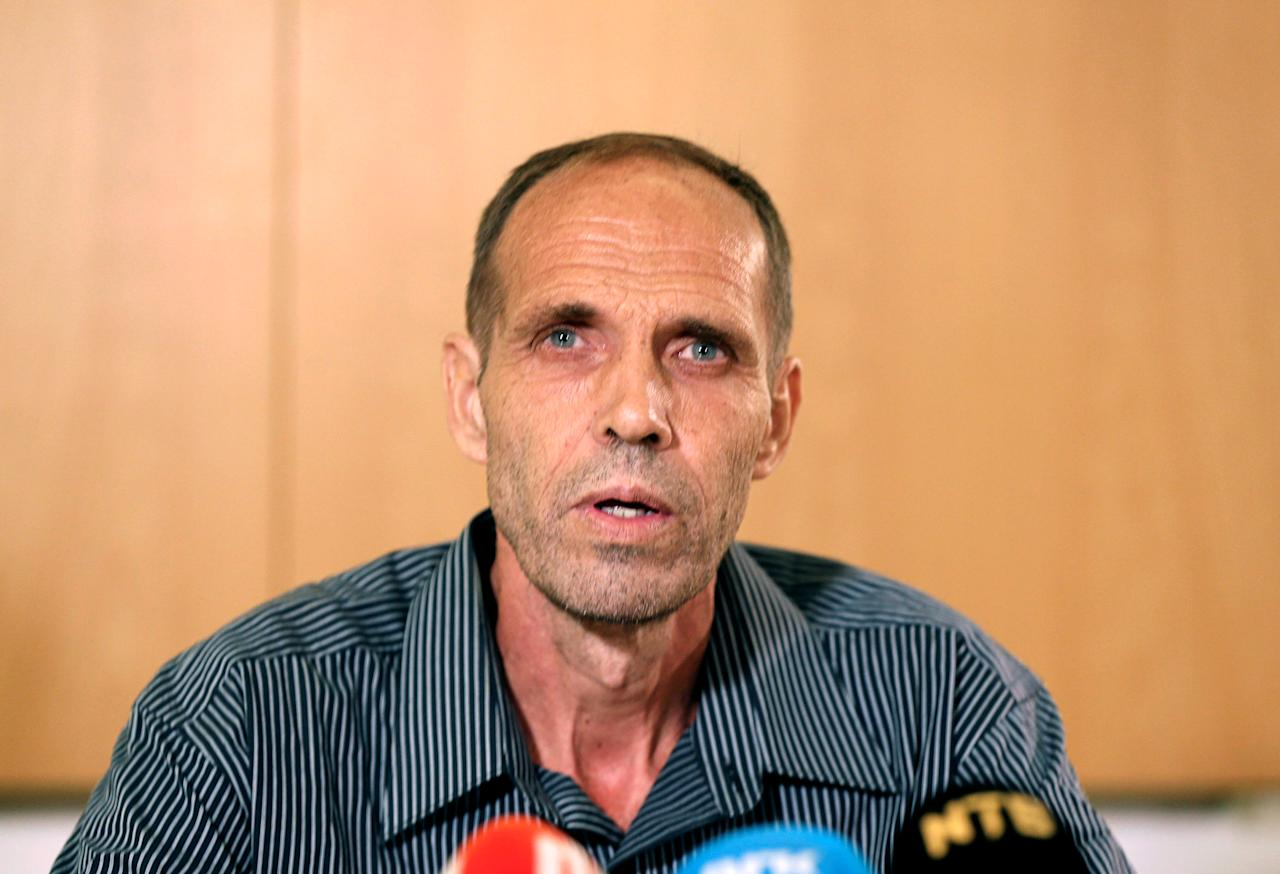 Released Norwegian hostage Kjartan Sekkingstad delivers his statement after arriving at the Oslo airport, Norway 23 September, 2016. NTB Scanpix/Vidar Ruud/via REUTERS    ATTENTION EDITORS - THIS PICTURE WAS PROCESSED BY REUTERS TO ENHANCE QUALITY. AN UNPROCESSED VERSION WILL BE PROVIDED SEPARATELY. THIS IMAGE WAS PROVIDED BY A THIRD PARTY. FOR EDITORIAL USE ONLY. NORWAY OUT. NO COMMERCIAL OR EDITORIAL SALES IN NORWAY.