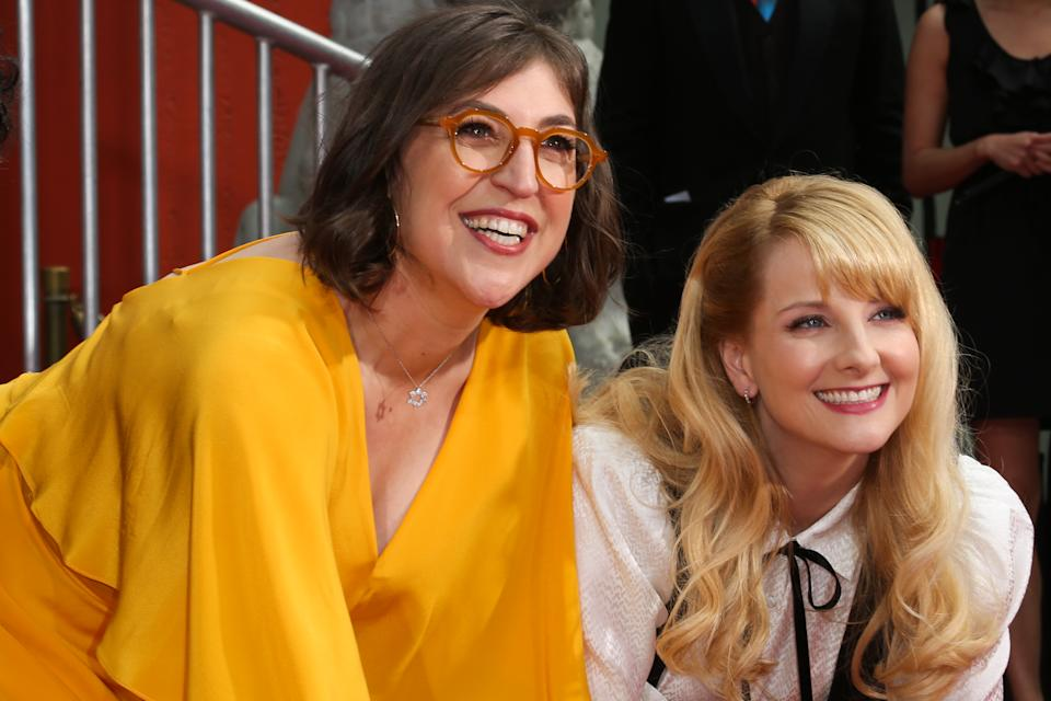"""HOLLYWOOD, CALIFORNIA - MAY 01: Actors Mayim Bialik (L) and Melissa Rauch (R) attend the handprint in cement ceremony for the cast of """"The Big Bang Theory"""" at the TCL Chinese Theatre IMAX Forecourt at TCL Chinese Theatre IMAX on May 01, 2019 in Hollywood, California. (Photo by Paul Archuleta/FilmMagic)"""