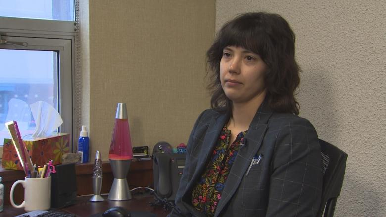 Edmonton police officer faces disciplinary hearing over allegations of racism, punching suspect