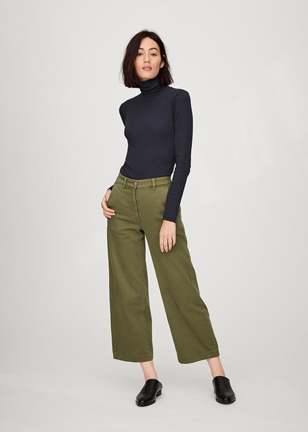 092358467496 Everlane is one of the best places to find stylish and affordable wardrobe  essentials. With a cult following, the ethical fashion brand has gained  life-long ...
