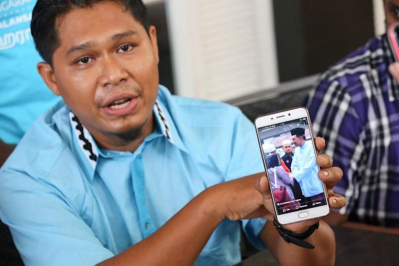 Penang PKR Youth information chief Mohd Ikhwan Nasser claimed a former Umno member was recently seen trying to join Anwar's media team despite having criticised PH in video recordings.