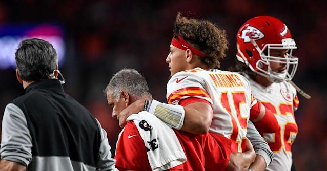 Chiefs QB Patrick Mahomes out at least 3 weeks, will miss week 8 against Packers