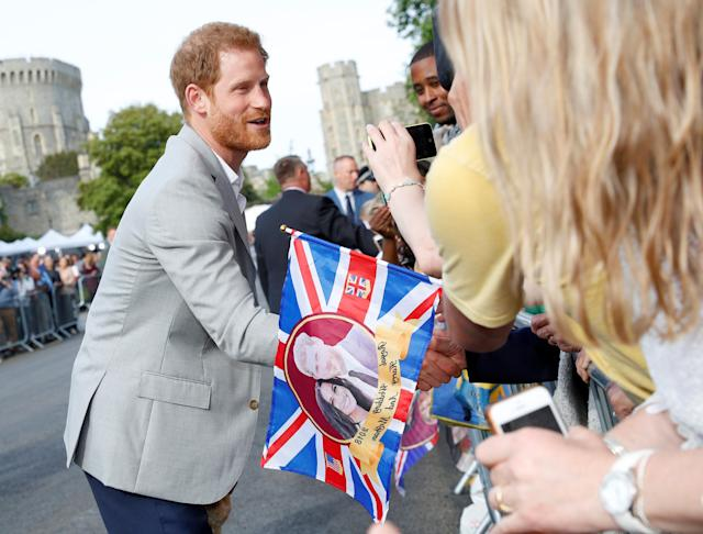 Prince Harry greets well-wishers lined up in Windsor, England, on May 18, 2018. (Photo: Phil Noble/Reuters)
