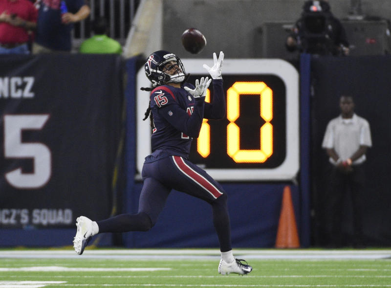 Texans lose WR Fuller to torn ACL