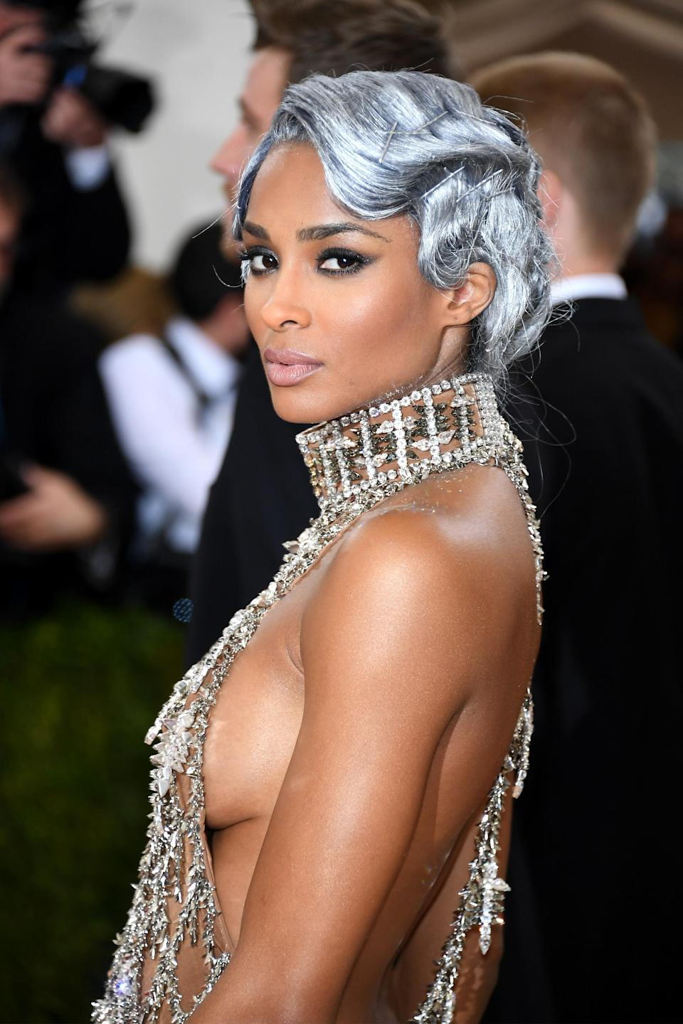 <p>Ciara is giving modern-day Dorothy Dandridge vibes with this sparkling silver coiffure. (Photo: Getty Images) </p>