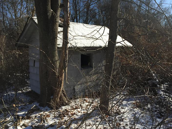 A small structure in Donald J. Trump State Park's French Hill section. (Photo: Michael Walsh/Yahoo News)