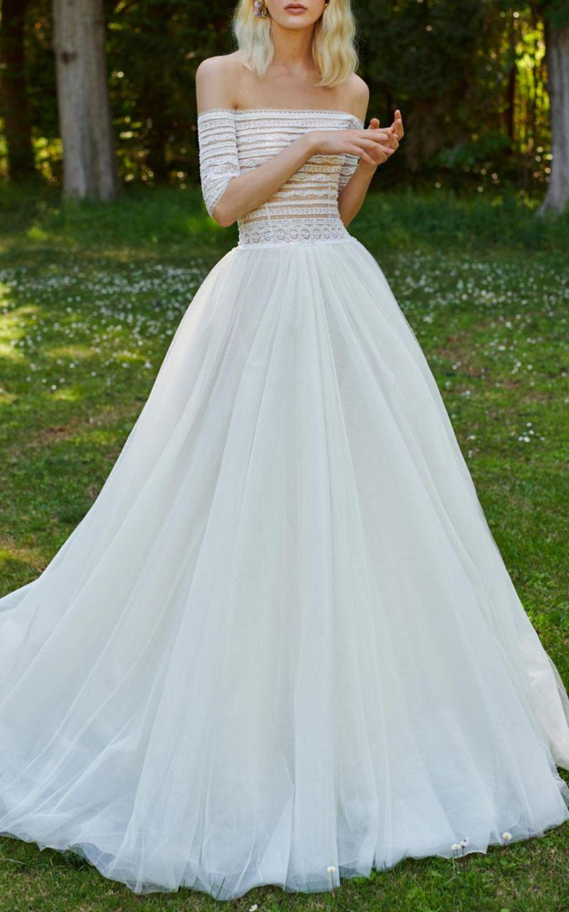 20 Dreamy Designer Wedding Dresses We Can\'t Stop Thinking About