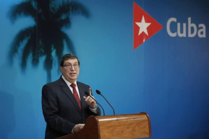 FILE PHOTO: Cuba's Foreign Minister Bruno Rodriguez speaks during a news conference in Havana