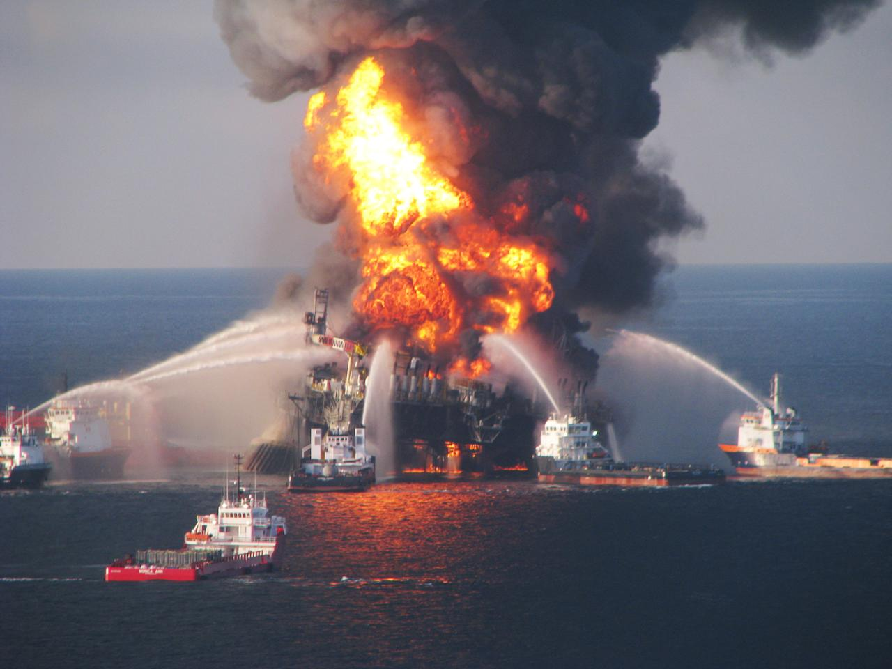 "Only once before had a news story taken the No. 1 slot in Top Searches on Yahoo — namely, the death of Michael Jackson. On April 20, 2010, the Deepwater Horizon oil rig exploded, killing 11. As we <a target=""_blank"" href=""https://2010.yearinreview.yahoo.com/2010/us_top_10_searches/#Top%2010%20Searches"">noted</a>, ""The gushing crude took 86 days to cap. The live feed from the  ocean floor became must-watch viewing, as massive online scrutiny  monitored best (and not so best) efforts to kill the well and stop the  worst spill in marine history."" <ol class=""yom-list""><li>BP Oil Spill</li><li>World Cup</li><li>Miley Cyrus</li><li>Kim Kardashian</li><li>Lady Gaga</li><li>iPhone</li><li>Megan Fox</li><li>Justin Bieber</li><li>American Idol</li><li>Britney Spears</li></ol>A whopping <a target=""_blank"" href=""http://2010.yearinreview.yahoo.com/2010/blog/13485/shortcuts-to-2010/"">144 articles</a> only skimmed the Search stream in 2010. <a target=""_blank"" href=""http://2010.yearinreview.yahoo.com/2010/us_natural_disasters/#Natural%20Disasters"">Monumental natural disasters</a> included earthquakes in Haiti, Chile and China, floods in Pakistan and Nashville; an Iceland volcano even grounded global air traffic. Yet <a target=""_blank"" href=""http://2010.yearinreview.yahoo.com/2010/us_natural_disasters/#Natural%20Disasters"">tales of heroism</a> amazed us, from the Deepwater Horizon crew, the Chilean miners trapped underground, and the miraculous ""return"" of kidnapped young girl Jaycee Dugard hiding in plain sight, grown up with her two children."