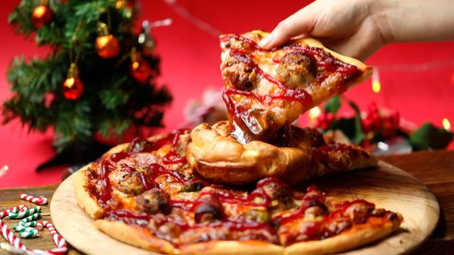Would you give the Christmas dinner pizza a try? (Photo:Jungle Creations)